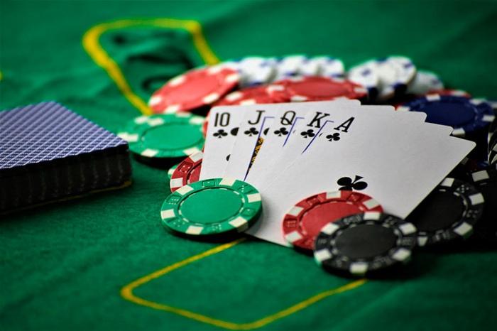 Một số thuật ngữ phổ biến khác trong Poker